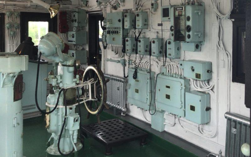 お台場船の科学館の南極観測船宗谷の操舵室内にあるハンドルラット