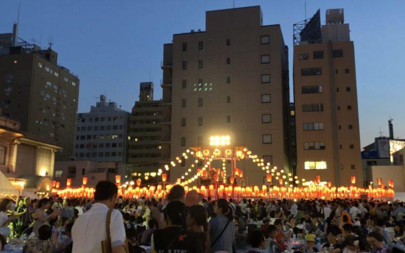 築地本願寺 納涼盆踊り大会の会場