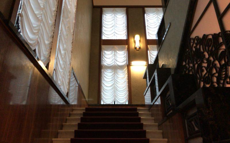 旧朝香宮邸・東京都庭園美術館本館内の階段