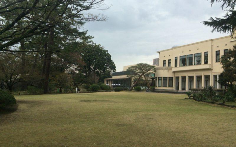 東京都庭園美術館の芝生広場