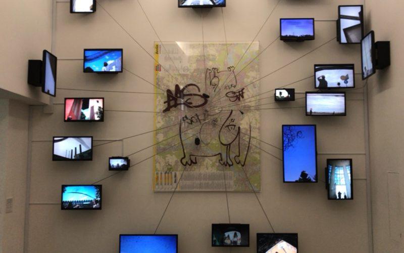 原美術館で開催したメルセデス・ベンツ アート・スコープ2015-2017 漂泊する想像力の会場に展示していた泉太郎さんの作品