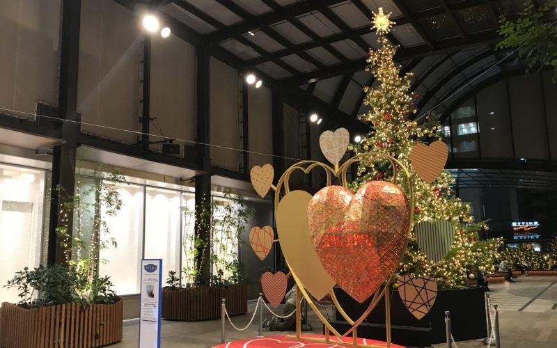 タカシマヤ タイムズスクエアに展示していた西村公一さんによるハートをモチーフにしたオブジェ「LOVE SHINJUKU」