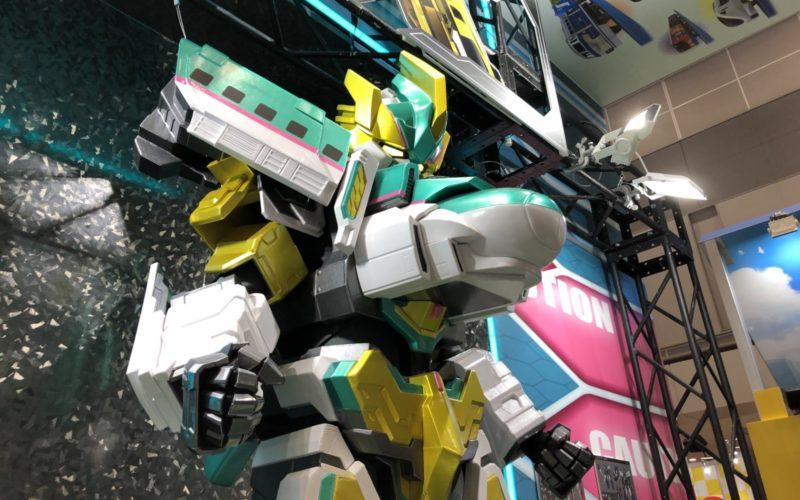 東京おもちゃショーに展示していたシンカリオンE5はやぶさMkⅡ